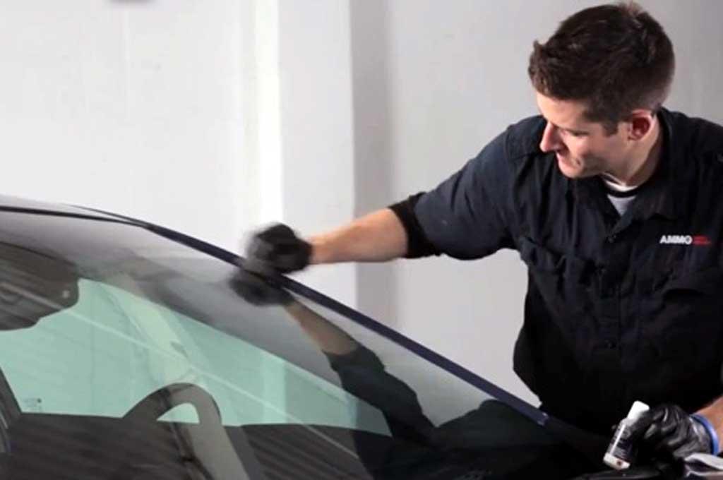 Tips Mengatasi Baret pada Kaca Kendaraan